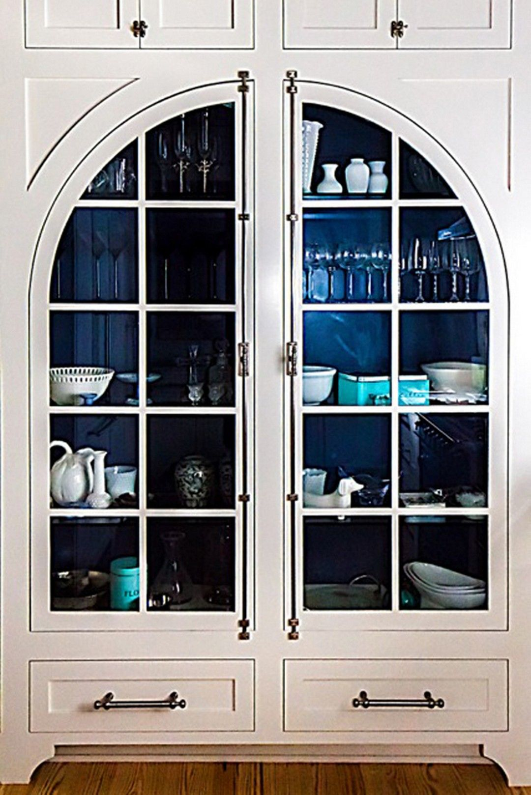 Navy Blue Interior Doors 27 Inspirational Photos Https Www Onechitecture Com 2017 10 17 Navy Blue Int Blue Interior Doors Bungalow Renovation Doors Interior