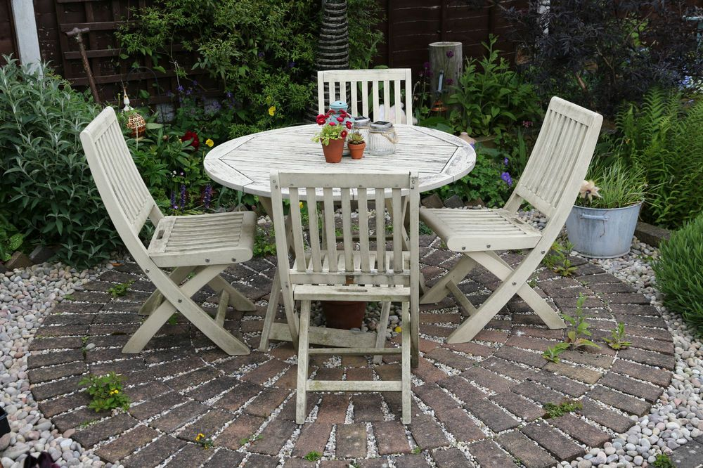 Painted Wooden Garden Furniture Google Search Painted Garden Furniture Garden Furniture Shabby Chic Patio