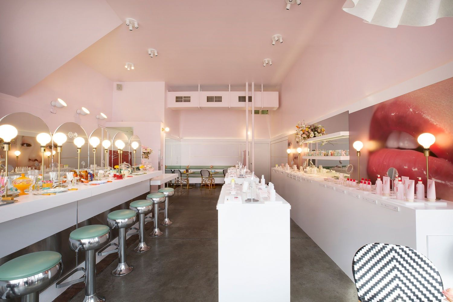 The Genius Storage Idea We\'re Stealing From Glossier\'s New San ...