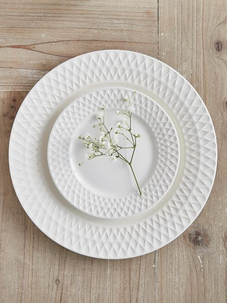 EVA Plates - Nordic House Stylish dinner sets perfect for any gift list. # tableware #wedding #gifts & EVA Plates - Nordic House Stylish dinner sets perfect for any gift ...