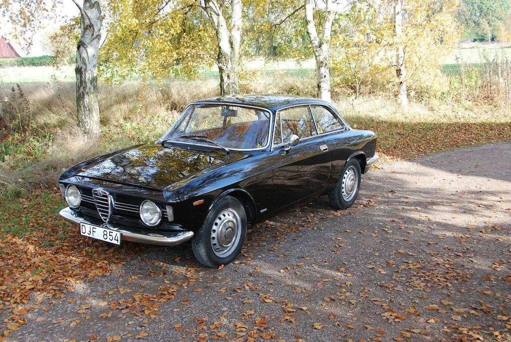 Alfa Romeo Gtv 2000 Bertone For Sale 1967 Alfa Romeo Guilia Sprint Gt Veloce Cars For Sale Alfa Romeo Old Sports Cars