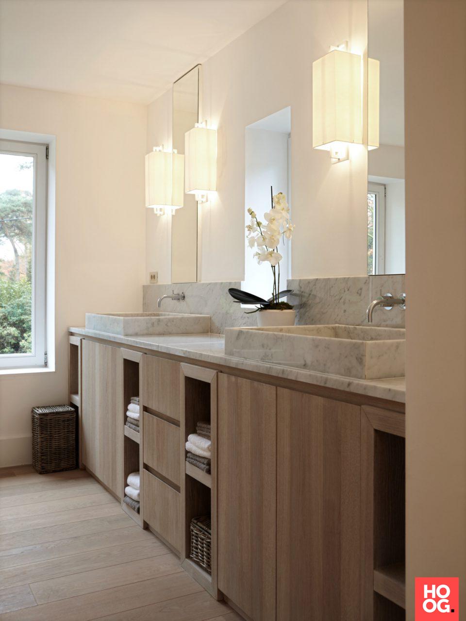 Luxe badkamer design met badkamermeubel | badkamer ideeën | design ...