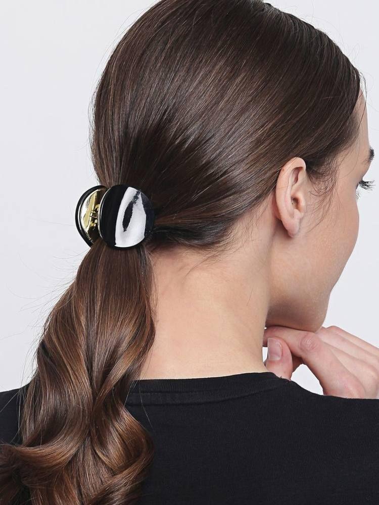 Frisur Mit Haarspange Viele Einfache Ideen Zum Haare Stylen Haare Stylen Frisuren Haare