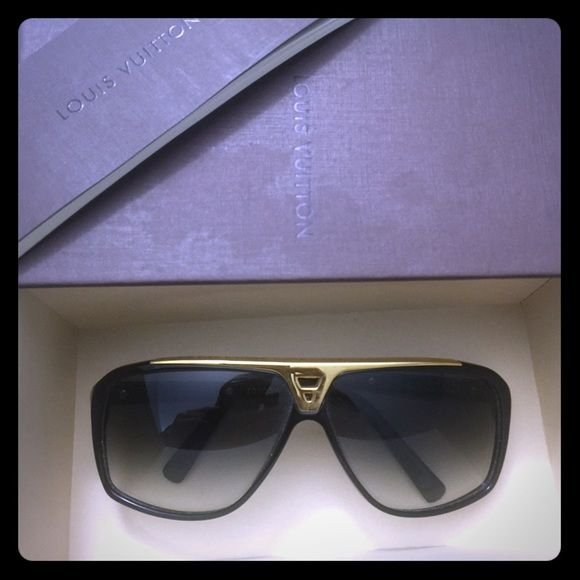 456ff8bc27d1 Louis Vuitton Evidence sunglasses Authentic Louis Vuitton sunglasses. Comes  with original LV case and box. Louis Vuitton Accessories Sunglasses