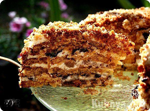 сметанный торт с черносливом и грецкими орехами