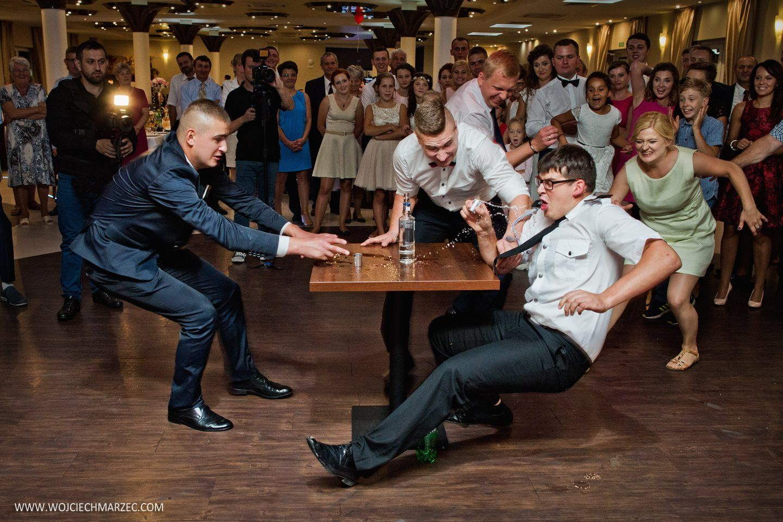 Wedding Party In Poland Epic Photos Art History Draw On Photos