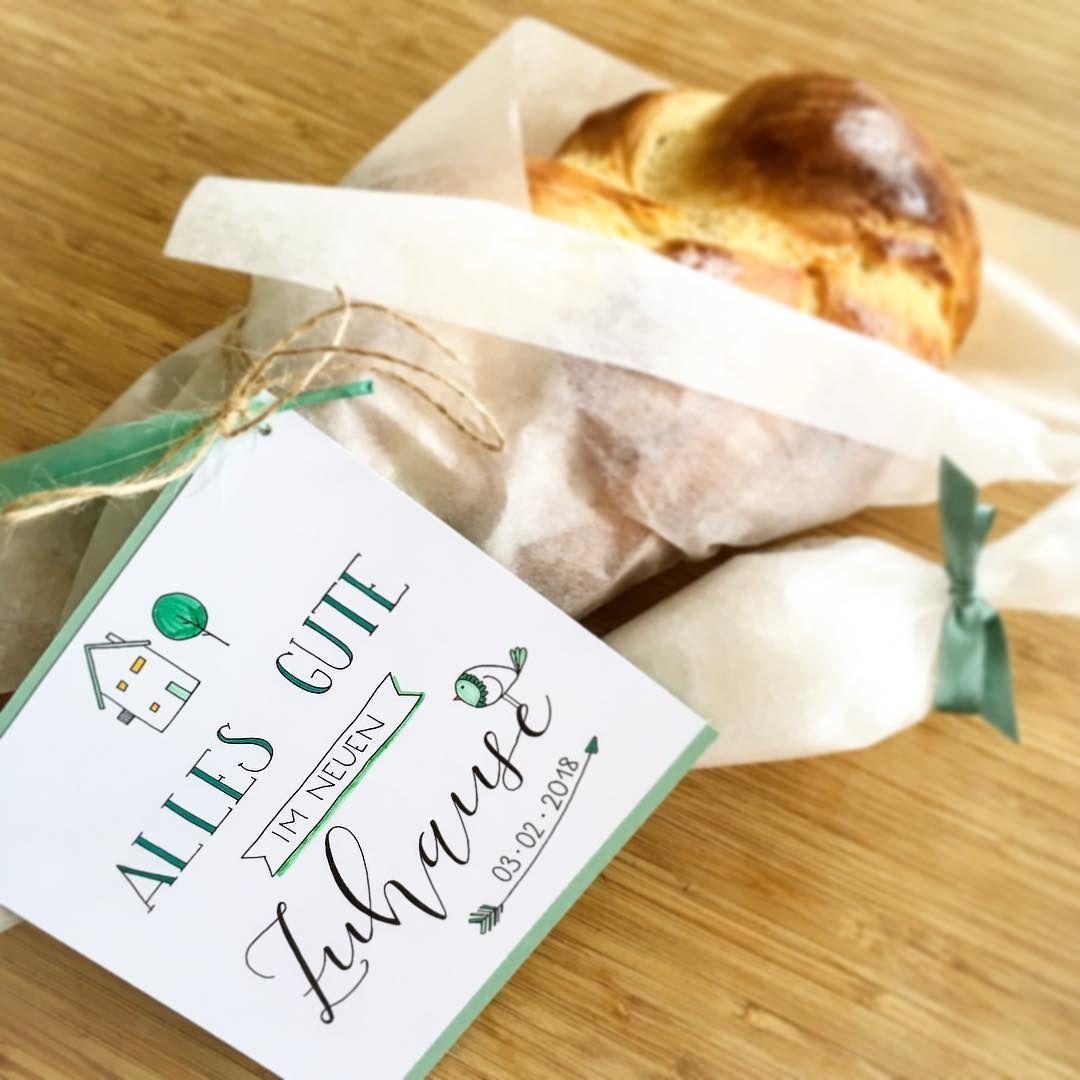 Brot Und Salz Was Hat Es Mit Diesem Brauch Auf Sich Jolie De Verrat Euch Was Hinter Dem Klassischen Einzugsgesc Diy Gifts Diy And Crafts Place Card Holders