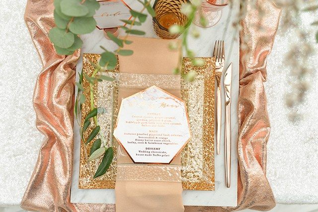 If you are a bride looking for original solution for your Big Day,this unconventional, elegant and romantic designs will be perfect for you.Combination of copper & marble works perfect not only in the interior ...