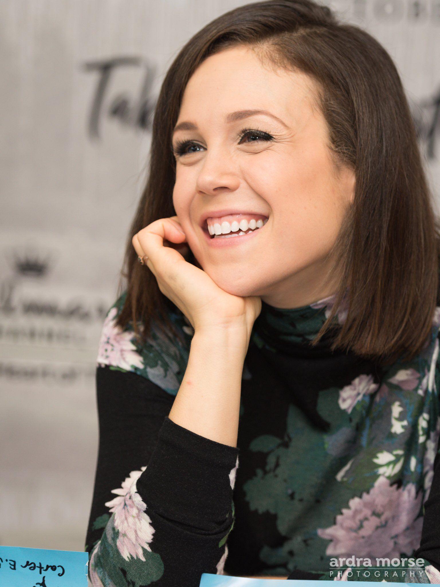 Erin krakow biografia