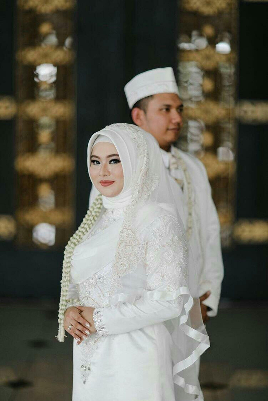 Gaun Akad Nikah Grace & Anjar OLEH LAKSMI KEBAYA MUSLIMAH & ISLAMIC BRIDE 0817 0370