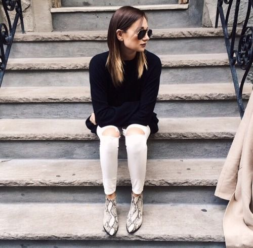 Print shoes outfit, Snake print boots