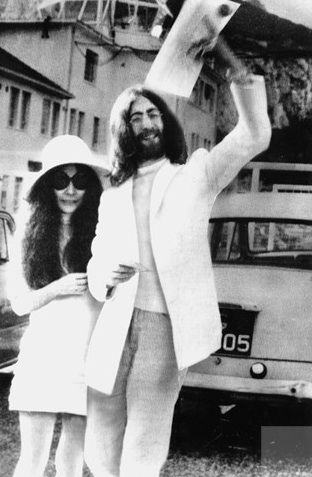 John Lennon Yoko Ono Iconic 70 S Wedding