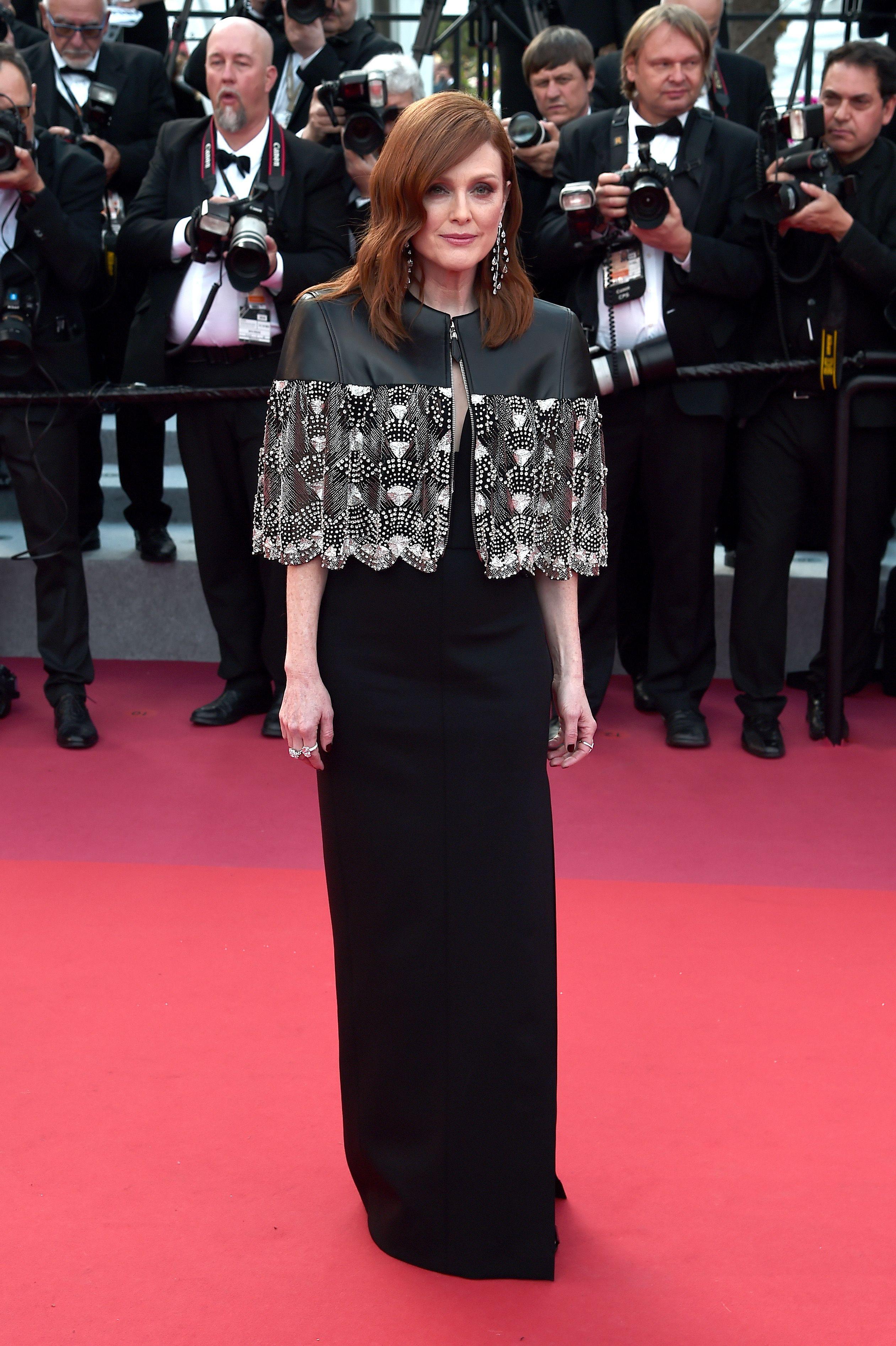 Julianne Moore In Louis Vuitton Les Miserables Cannes Film Festival Premiere Red Carpet Fashion Awards Cannes Film Festival Red Carpet Fashion Fantasy Dress