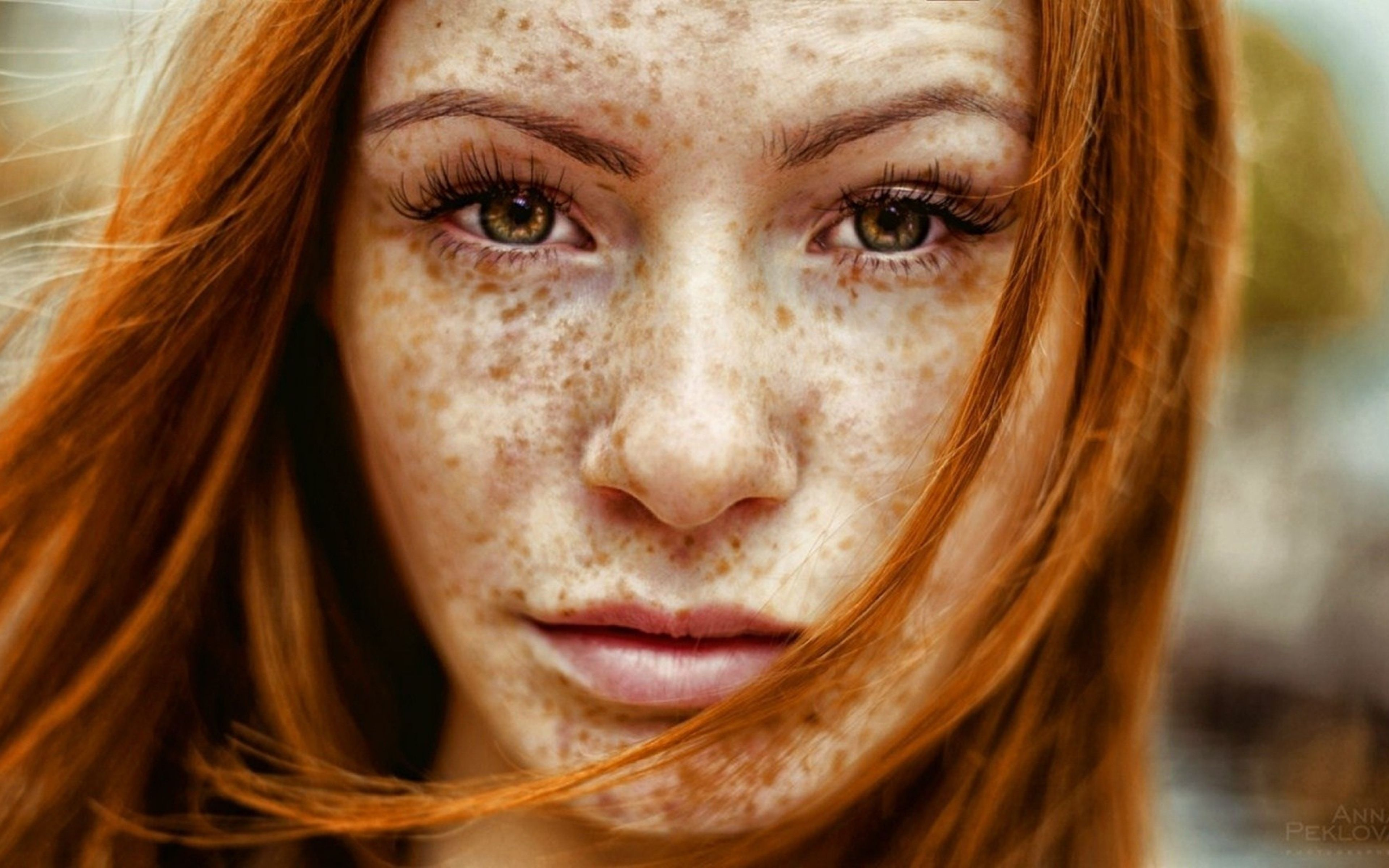 3840x2400 Wallpaper red, hair, freckles, emotions