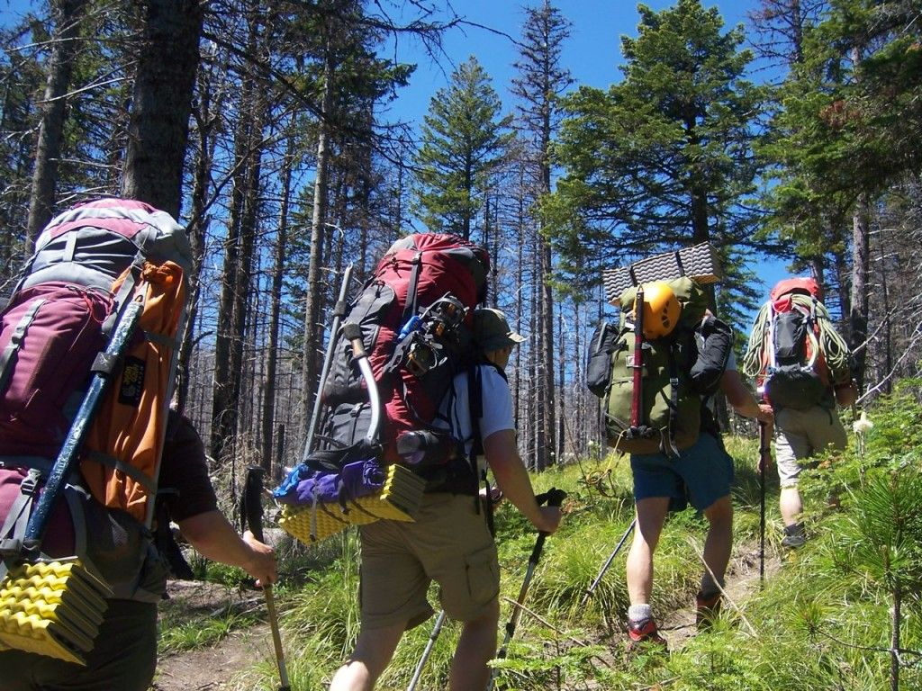 Pack Backpacking Is An Art If You Are On Tight Budget