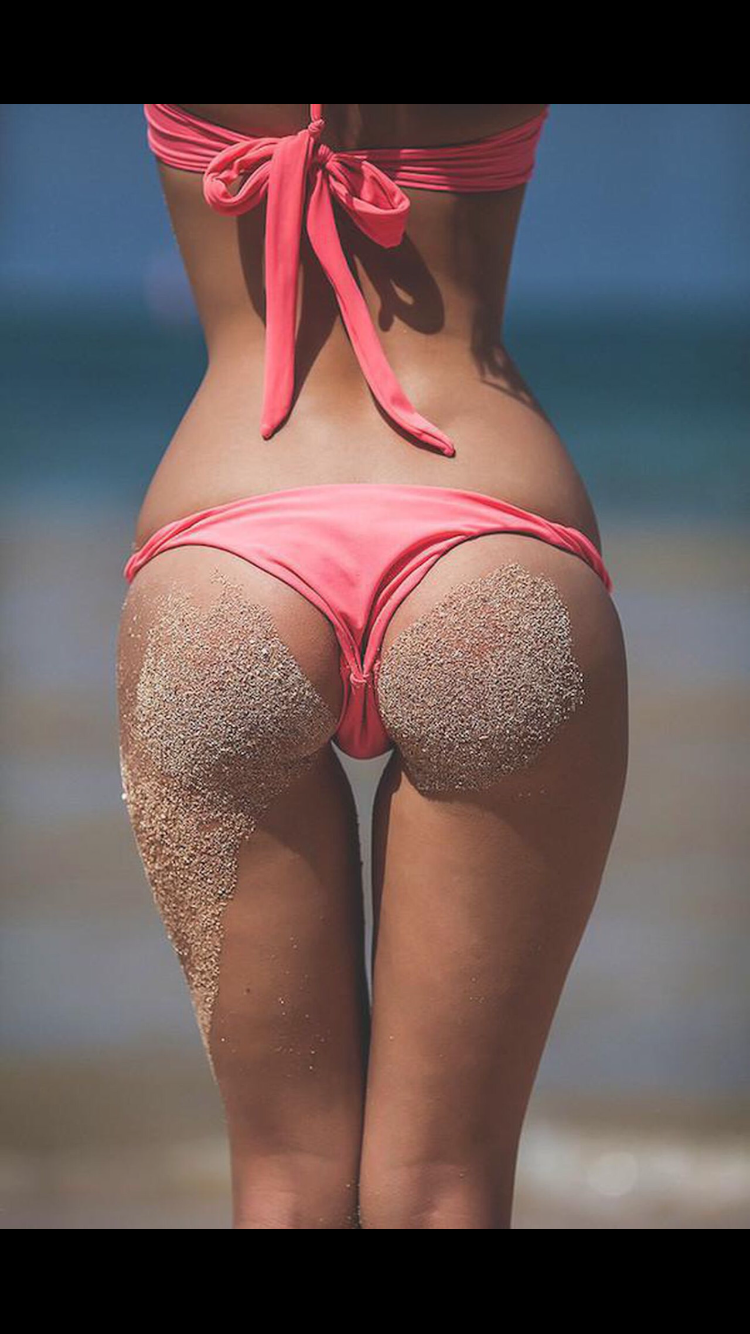 from Daxton hot girls in bikini with thigh gap