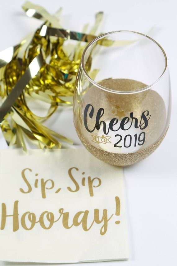 e327bbb6104 Cheers to 2019 stemless wine glass, glitter wine glass for New Year's party  or celebration