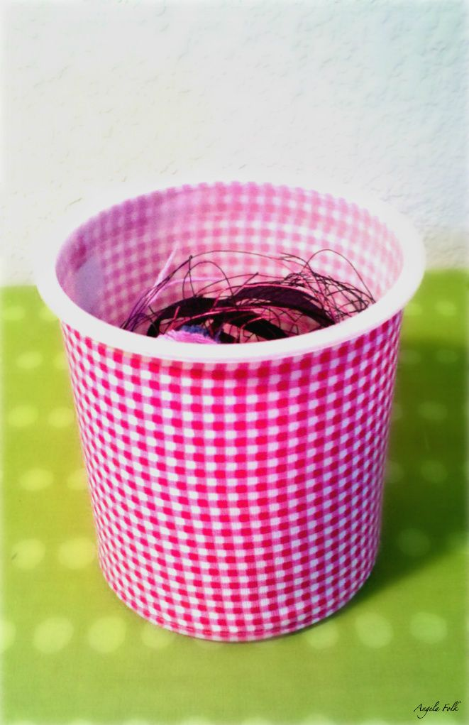 Sewing Snipet And Thread Container Made From Empty Frosting Container This Is A Very Simple No Sew Proj Sewing Projects Sewing Organization Seasonal Crafts