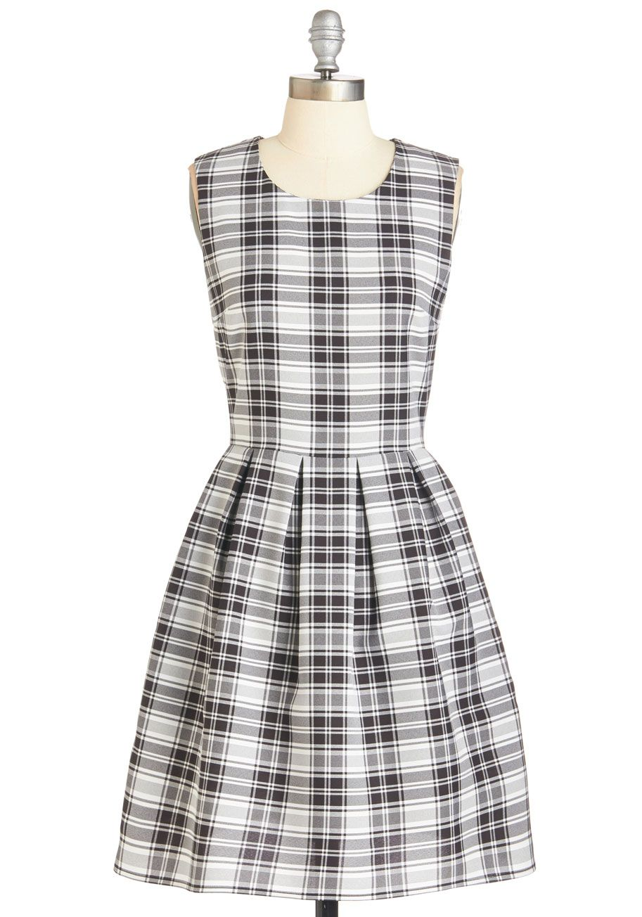 Vintage 1960s Girls Dress  Toddler Mod Style  Houndstooth Check Black And White A Line Frock