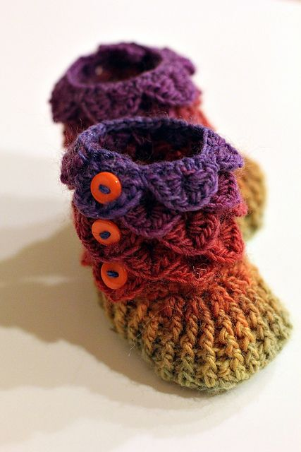 Dragon Slippers Crocodile Stitch Booties pattern by Bonita Patterns ...