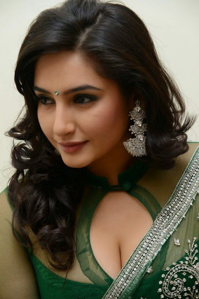 Model Ragini Dwivedi Latest Hot Photos Now Only At Hotactress Co In Check