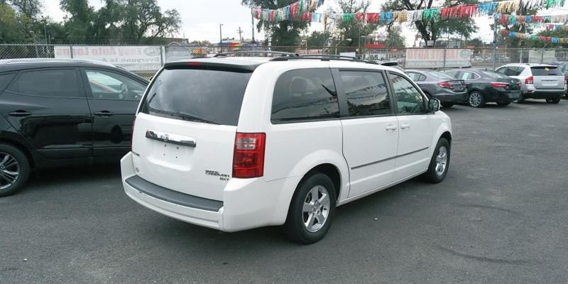 2010 Dodge Grand Caravan Sxt In 2020 Grand Caravan Cars For
