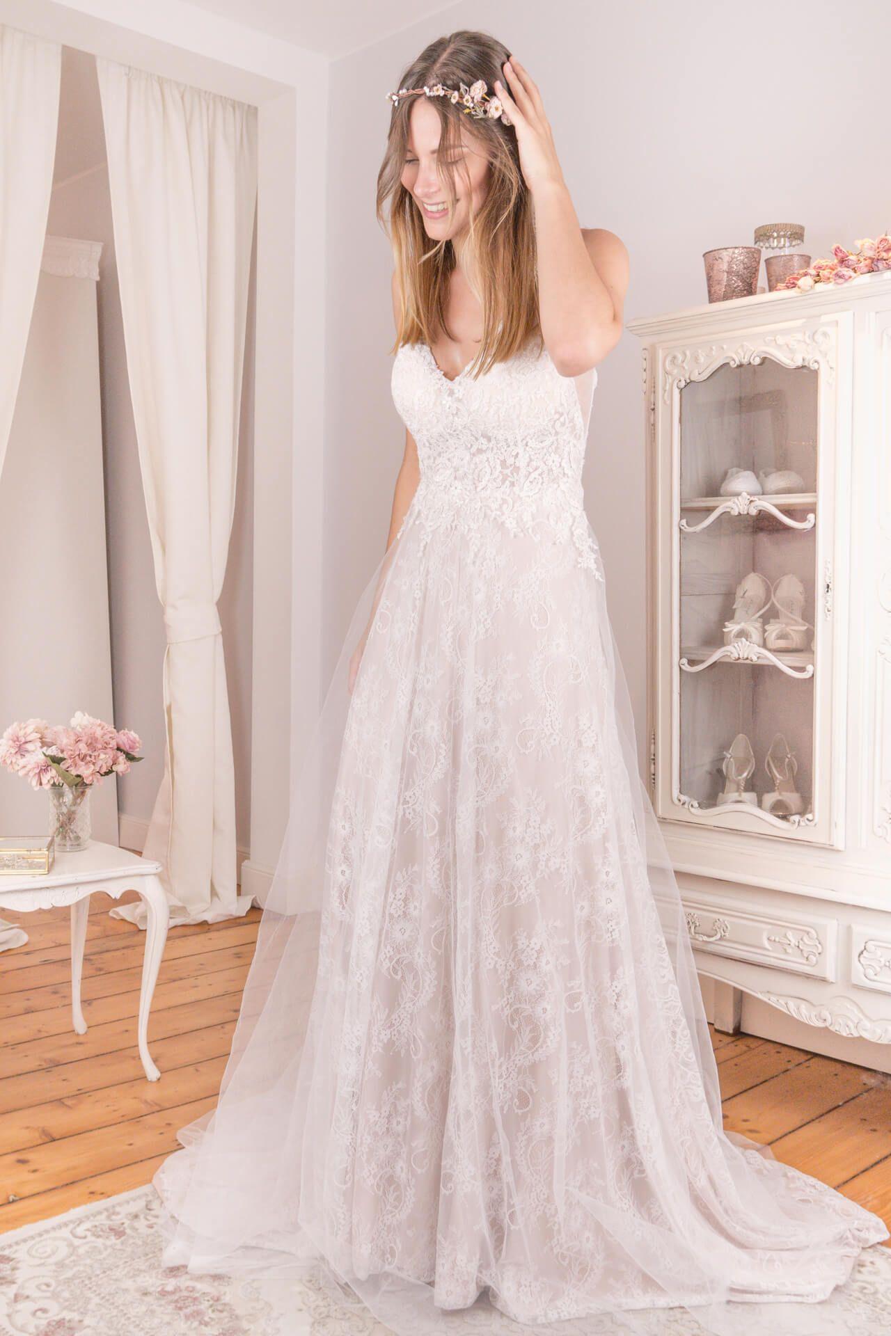 Schwedische Brautkleider zum Mitdesignen  Kleider hochzeit, Braut