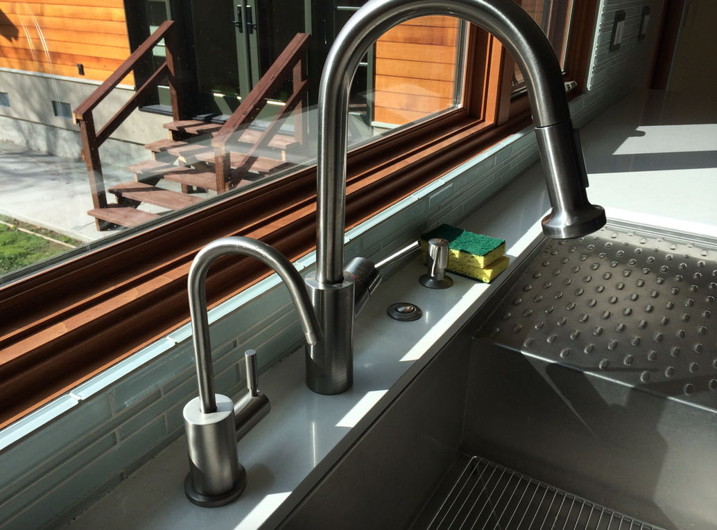 Abela S Kitchen Sink Faucet I Don T Think We Need A Separate Filtered Water Faucet Like This One Filtered Water Faucet Kitchen Sink Faucets Sink Faucets