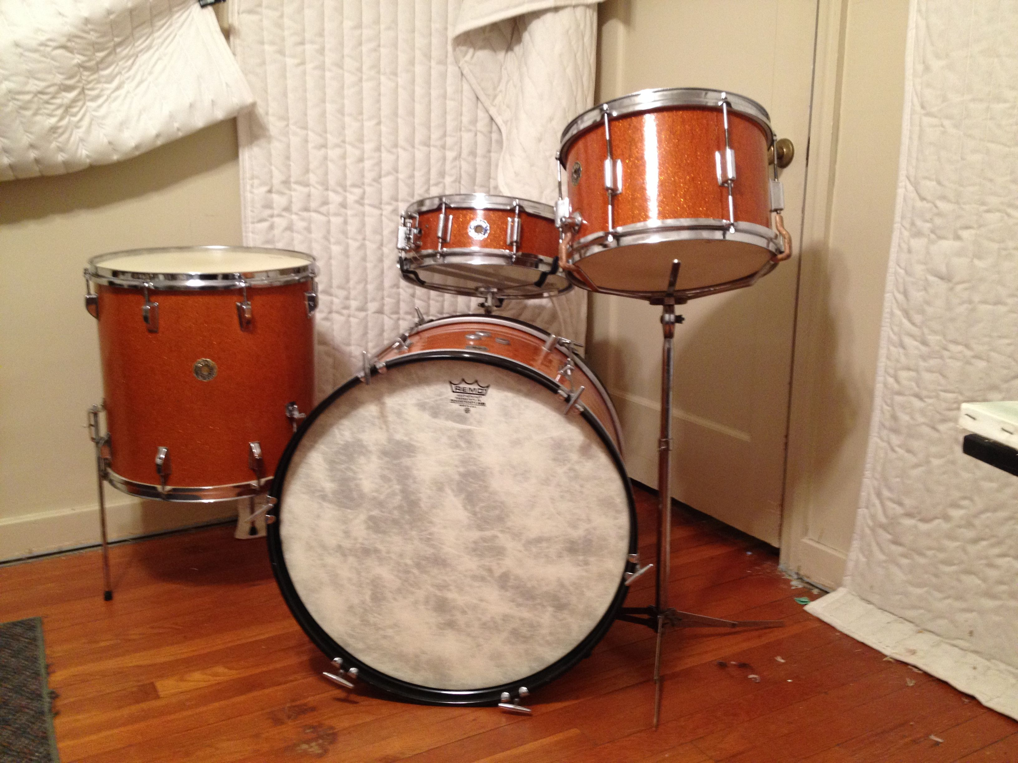 13 16 22 Orange Sparkle 4x14 Max Roach Size Snare Fiberskyn Powerstroke 3 Batter And Reso Bass Heads And Aquarian Modern Vintage Bass Head Drums Drum Heads