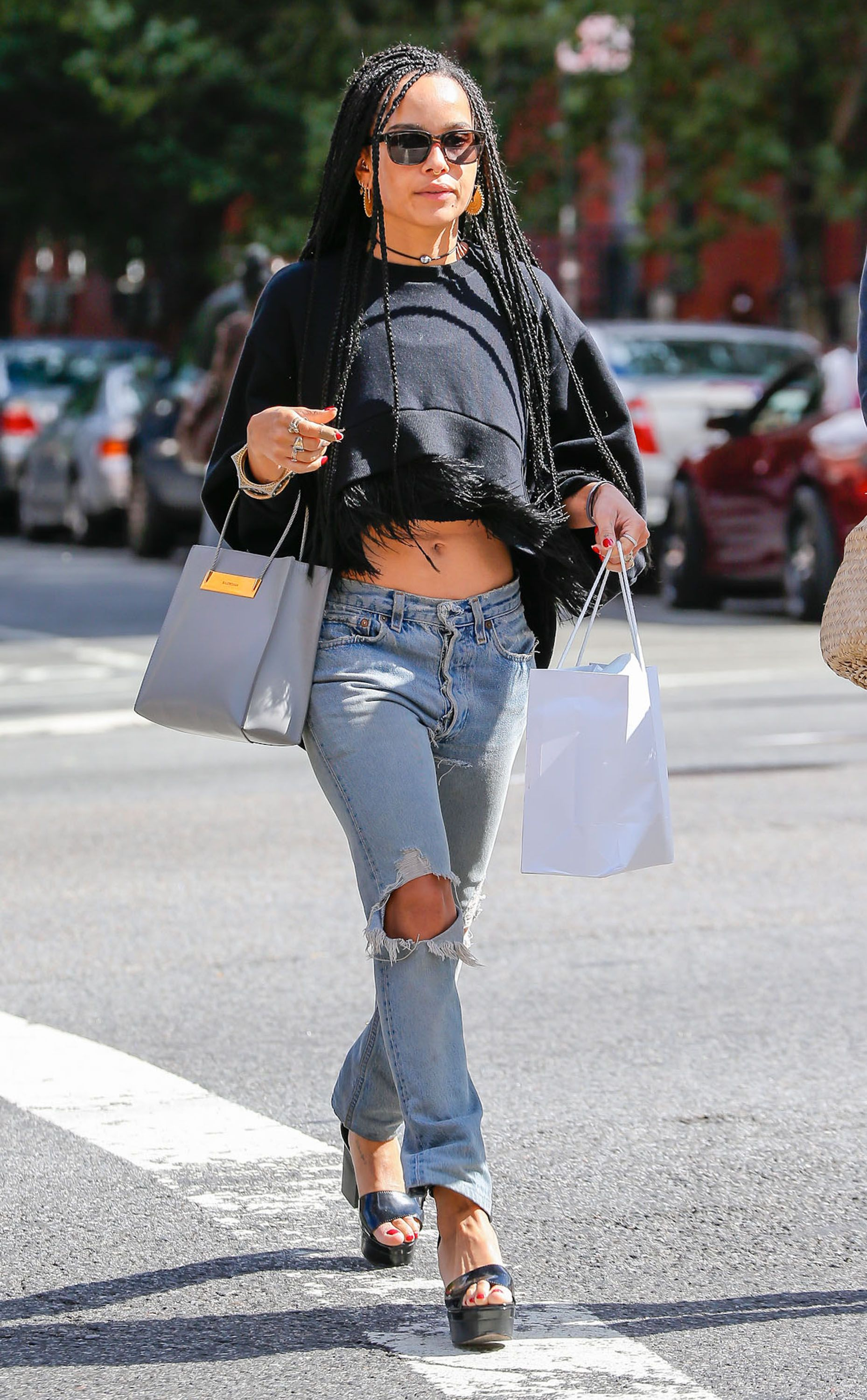 Lenny kravitz pants tear bing images - Zoe Kravitz S New Look Will Definitely Make You Do A Double Take