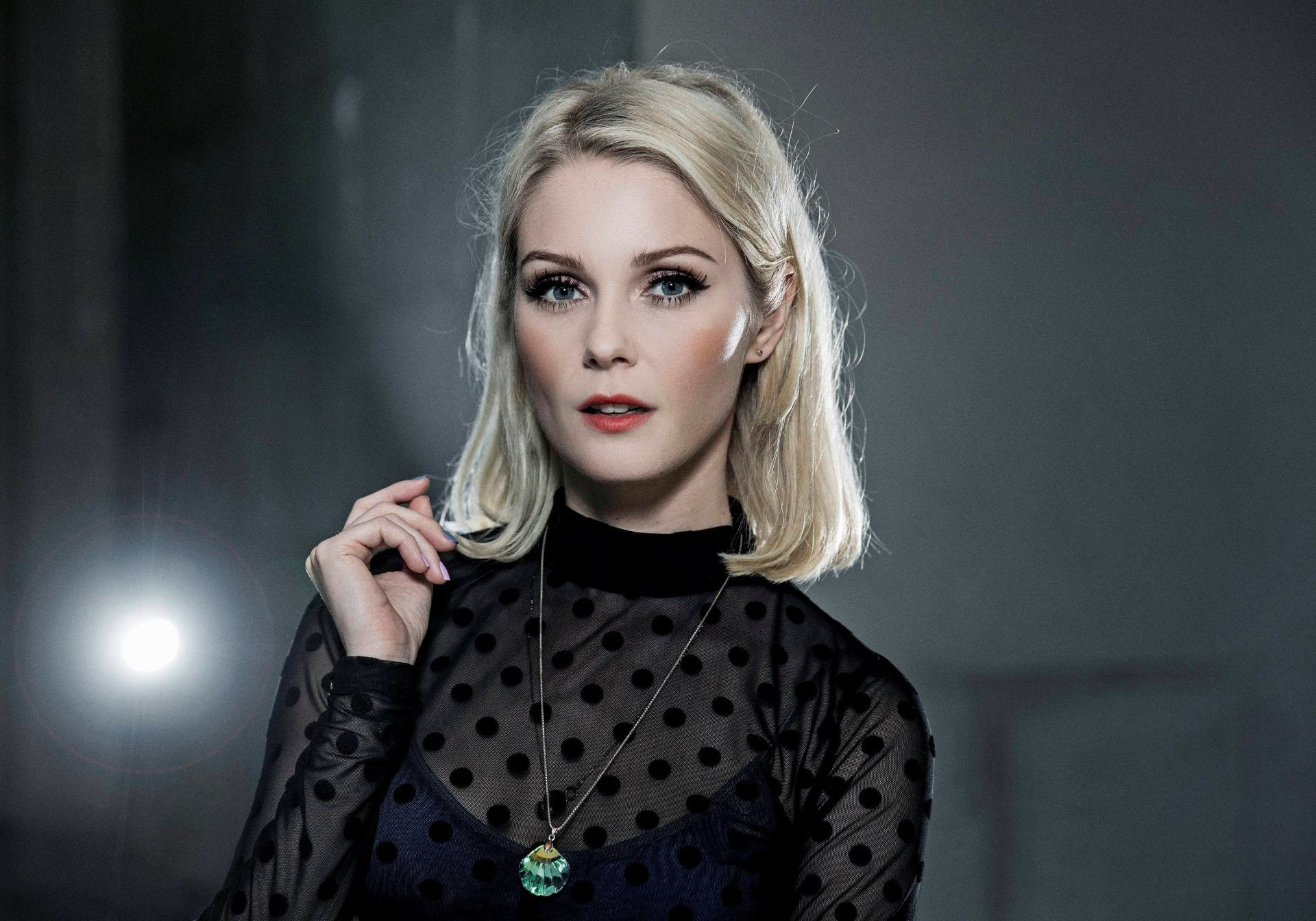 1920x1344 Mette Lindberg Picture Free Medium Length Hair Styles Beautiful Celebrities Celebrities