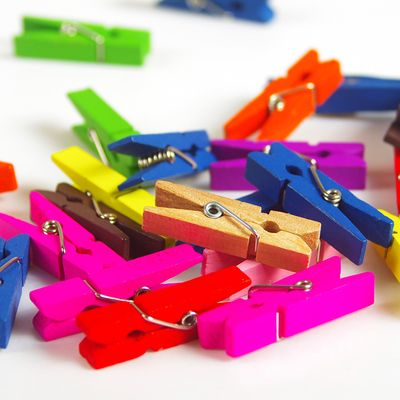 20pcs Lot Random Mini 3 3cm Colored Spring Wood Clips Clothes Photo Paper Peg Pin