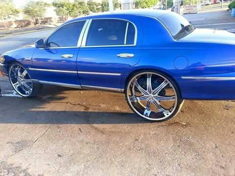 98 Lincoln Town Car On 28 S 28 Inch Big Rims Big Wheel Cars