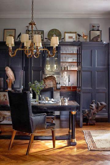 Élégant design d\'intérieur sombre dans le style 20s ...