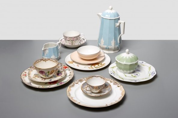 L'ArcoBaleno Porcelain Tea Set by Nymphenburg