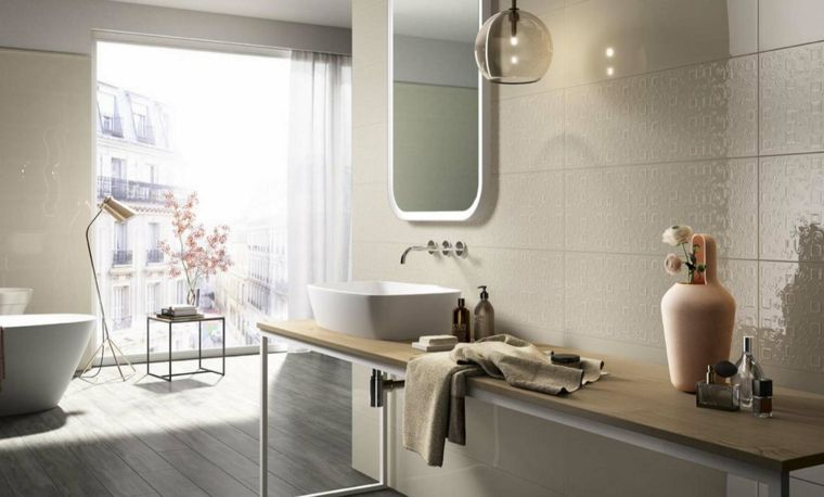 Rivestimenti bagno piastrelle particolari colori caldi bagno