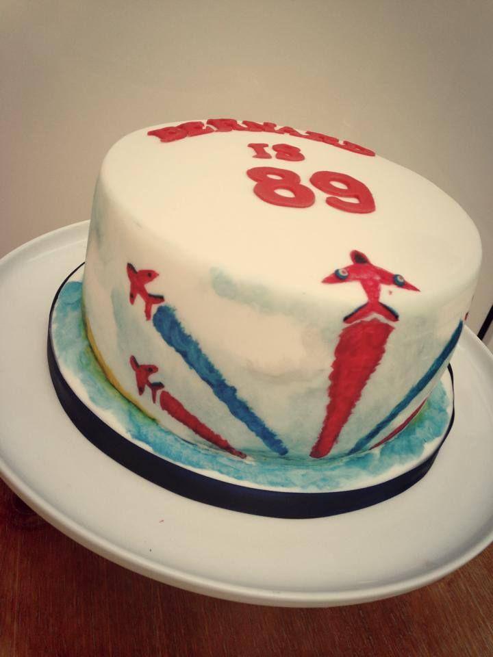 Raf Red Arrows Plane Cake Red Arrows Pinterest Cake Planes