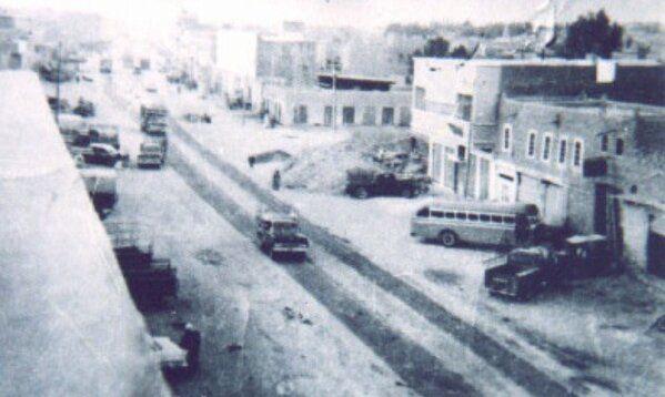 صورة شارع الخبيب قديما قبل السفلتة مقابل النقل الجماعي عام ١٣٨٣هـ Outdoor