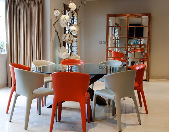 Superior Round Glass Dining Tables That Make A Stylish Impression Pictures