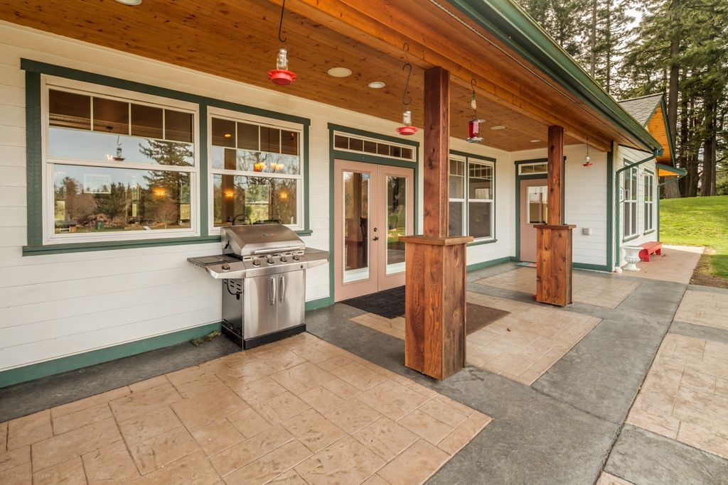 Executive outdoor living space located in Bellingham, WA ... on Executive Outdoor Living id=71267
