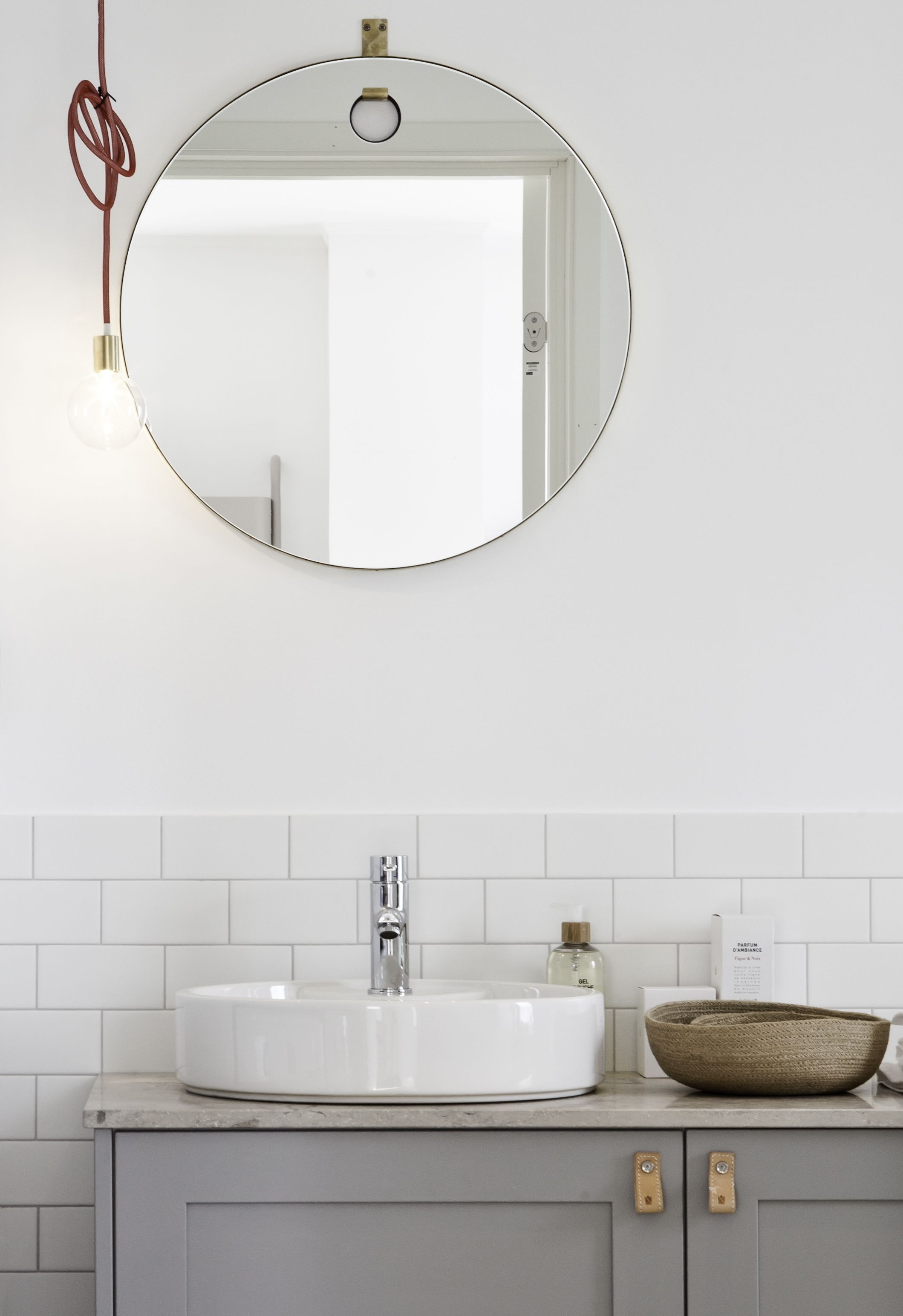 Oval sink round mirror show home by Blooc