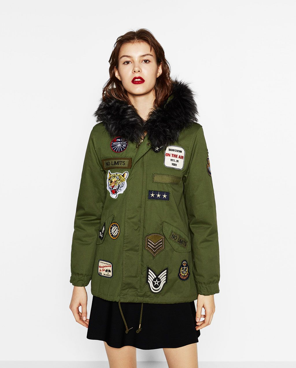 f49812a9437 ZARA - MUJER - PARKA PARCHES