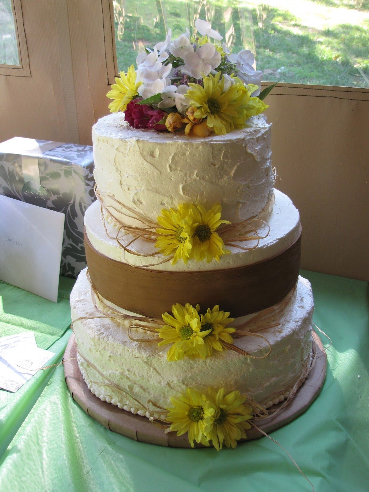 Country weddings cakes google search wedding cakes pinterest