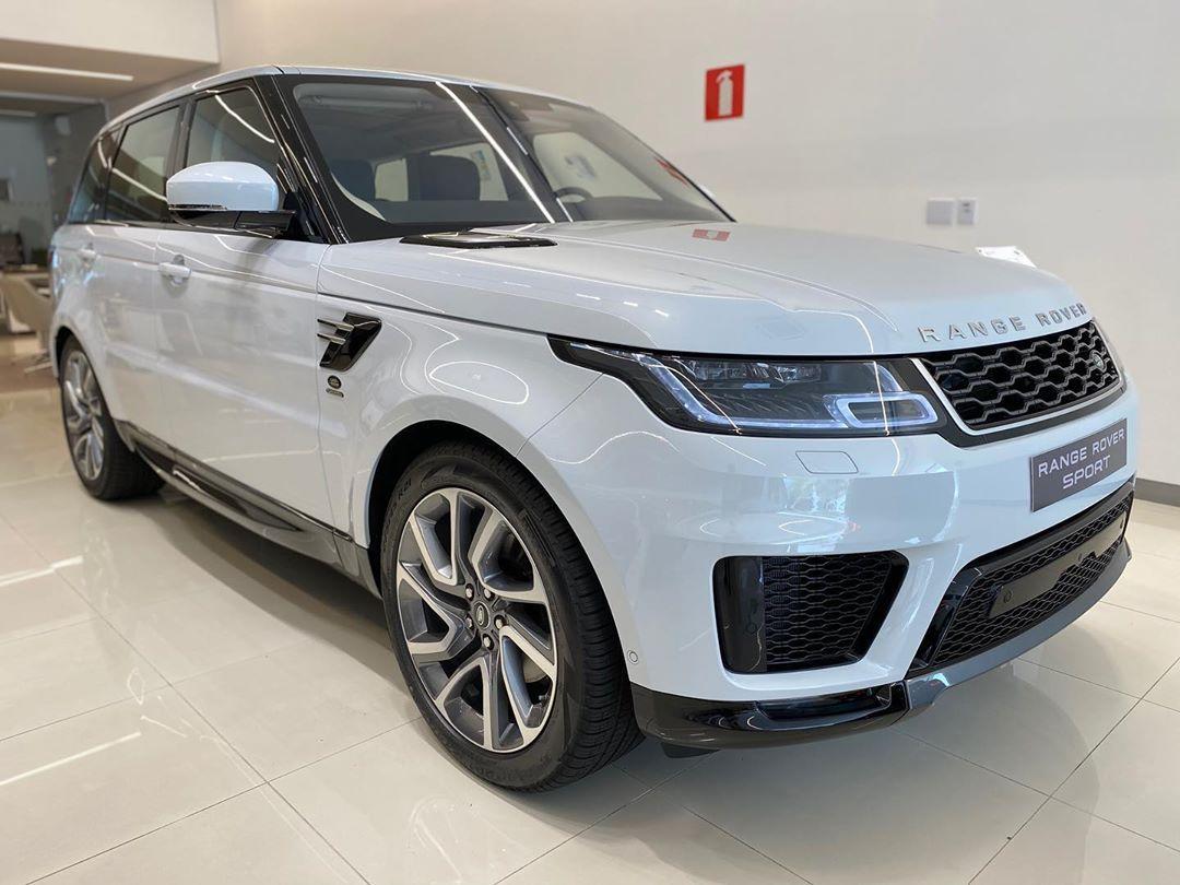 Range Rover Sport HSE na cor Branco Yulong com interior
