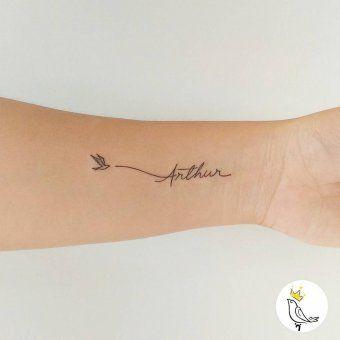 tatouage prenom minimaliste avant bras oiseau tatuajes pinterest tatouage prenom tatouage. Black Bedroom Furniture Sets. Home Design Ideas