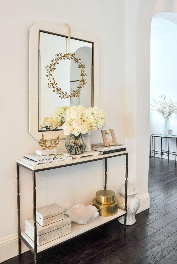 White console table #entry #entrydecor #consoletable #entryway #entryhall #interiorstyling