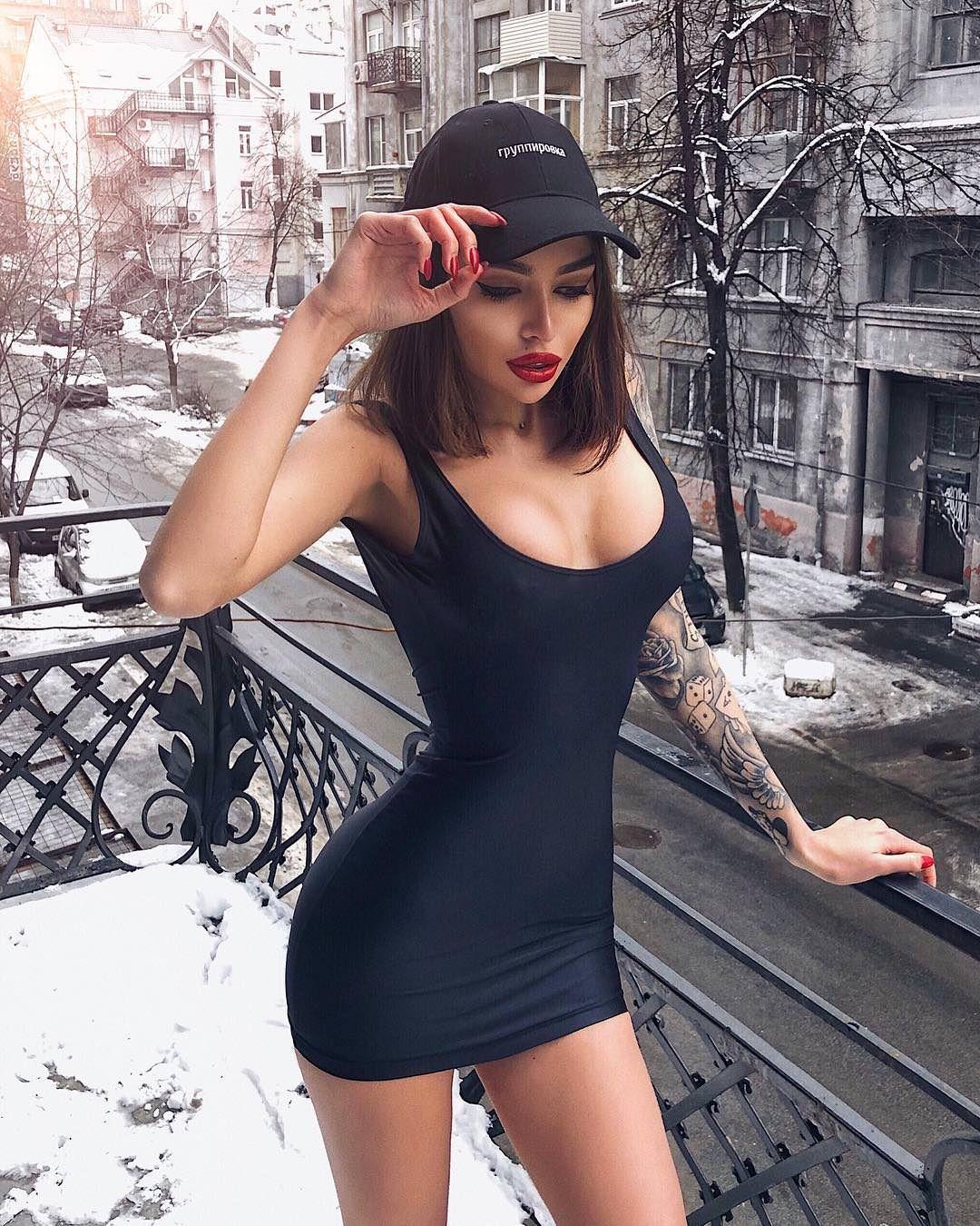 2bc07bd39b408d Alena Omovych Sexy Rock, Kleider Rock, T-shirt-kleid, Hochgesteckte Frisuren