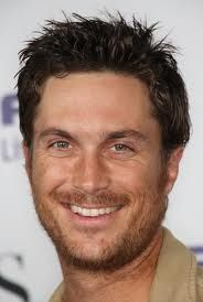 Oliver Hudson, son of Goldie Hawn & Bill Hudson.  He's just as gorgeous as his dad!