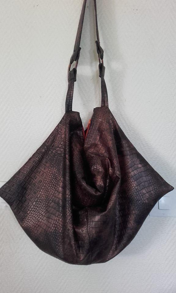 Sac Swing en simili bronze cousu par Mireille de Guadeloupe - Patron de couture Sacôtin