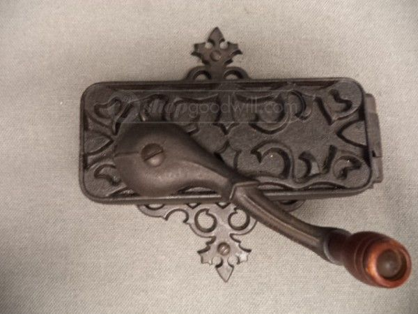 vintage universal dazey wall mounted can opener 12 00 cast iron